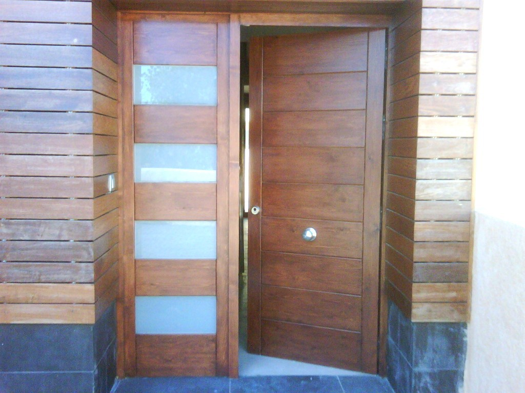 Puertas de madera la carpinter a cerca del arte - Puertas exteriores madera ...